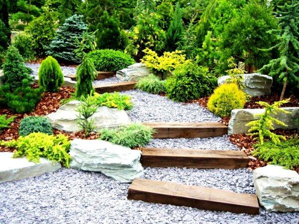 идеи декорация градина храсти стълби