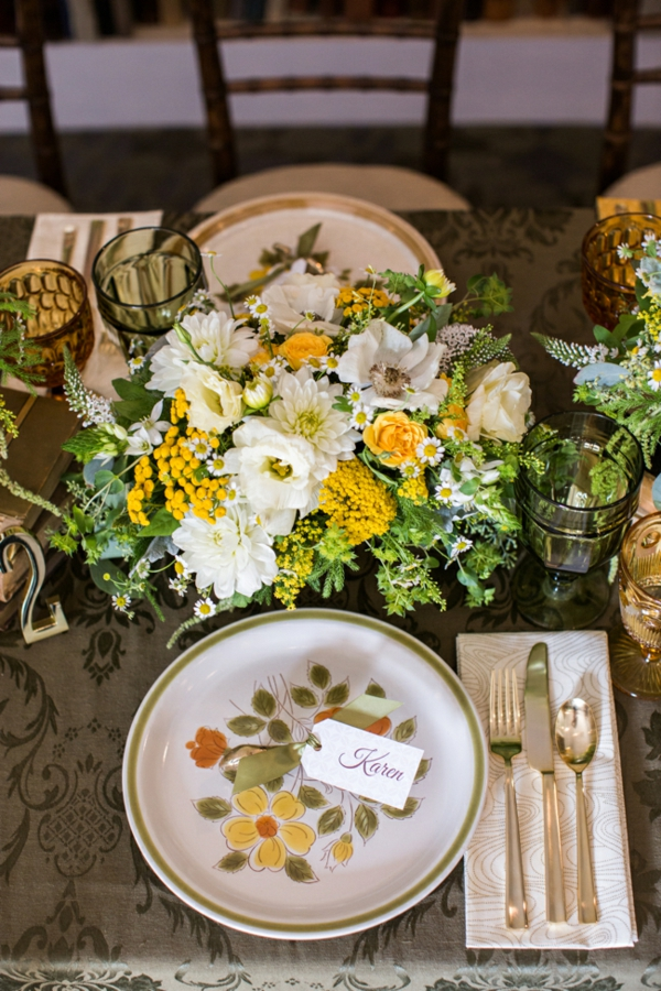 идеи сватбена украса цветя прибори