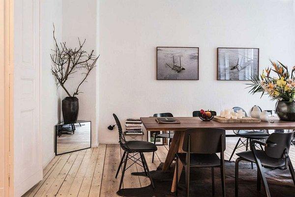 идея малък апартамент интериорен дизайн обзавеждане маса дърво черно