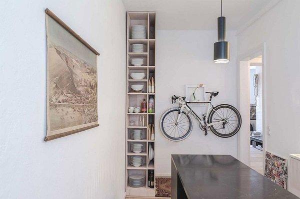 идея за малък апартамент обзавеждане интериорен дизайн рафтове кухня