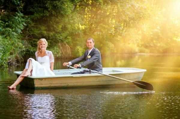 истини за брака сватбени снимки фотография лодка