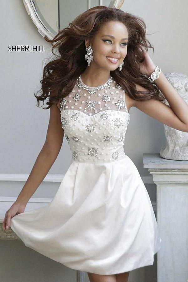 къса-сватбена-рокля-декорация