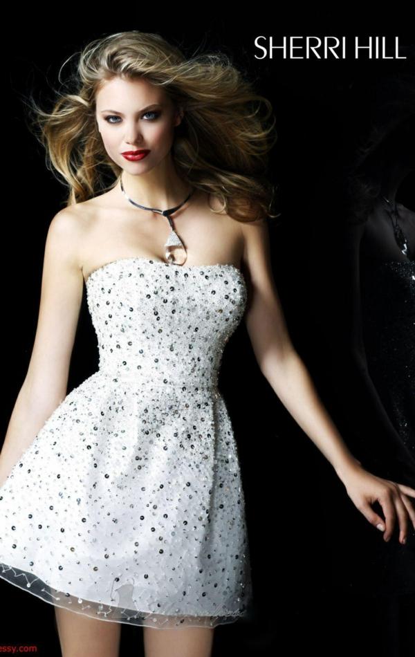 къса-сватбена-рокля-бюстие-пайети