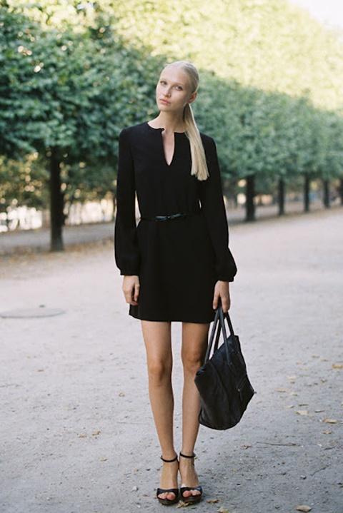 малка черна рокля ръкави
