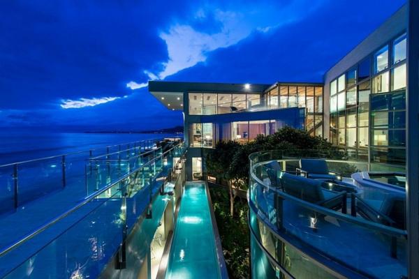 модерна-къща-на-плажа
