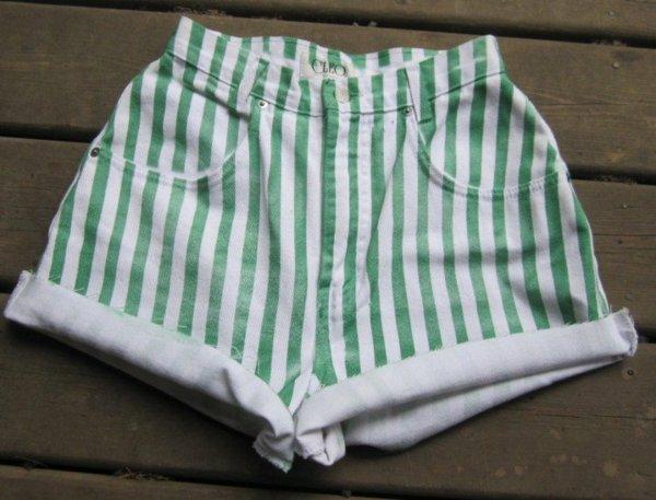 направи-си-сам-декорация-на-къси-панталони-на-райета