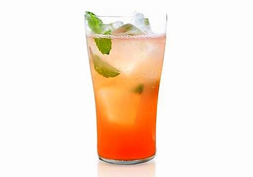 нискокалорични коктейли за лятото мента грейпфрут