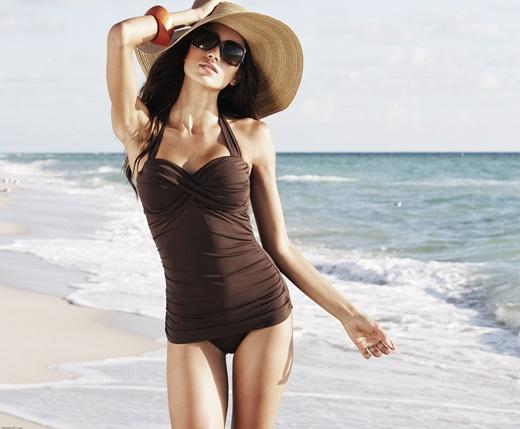 плажни-визии-монокини