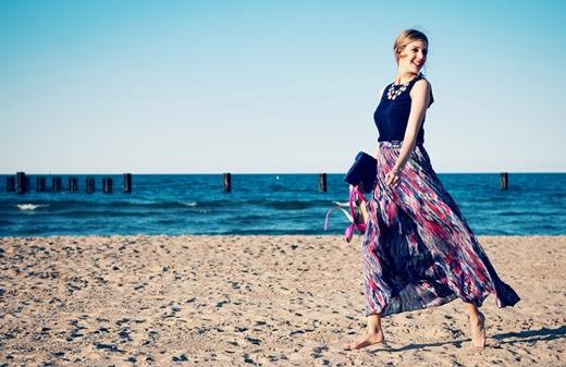 плажни-визии-феерична-рокля