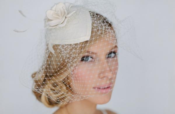 сватбени аксесоари коса мрежа цвете