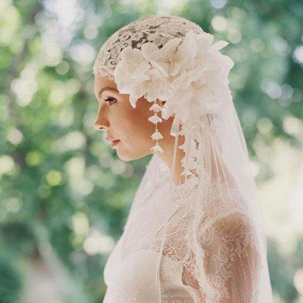 сватбени аксесоари за коса цветя воал