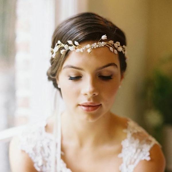 сватбени аксесоари коса венец цветя