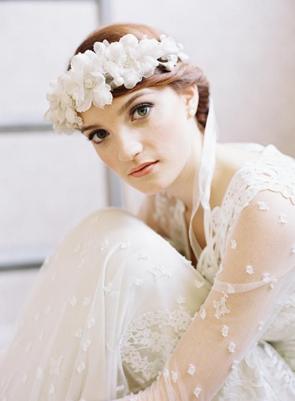 сватбени аксесоари коса цветя бели