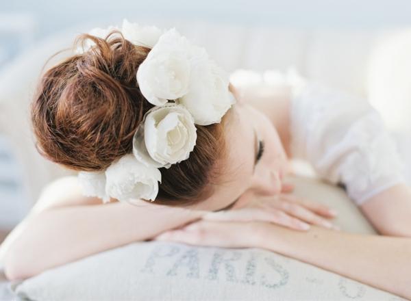 сватбени аксесоари коса цветя