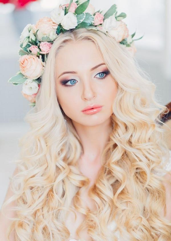 сватбени прически пусната коса венец