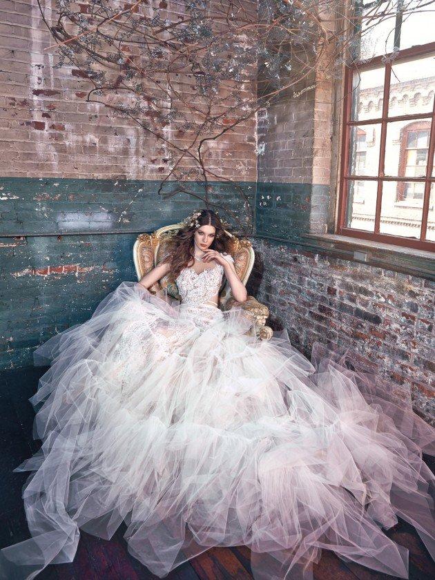 сватбени-рокли-тюл