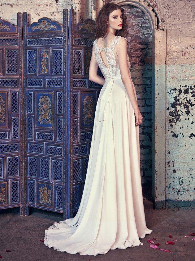 сватбени-рокли-декорация-гръб