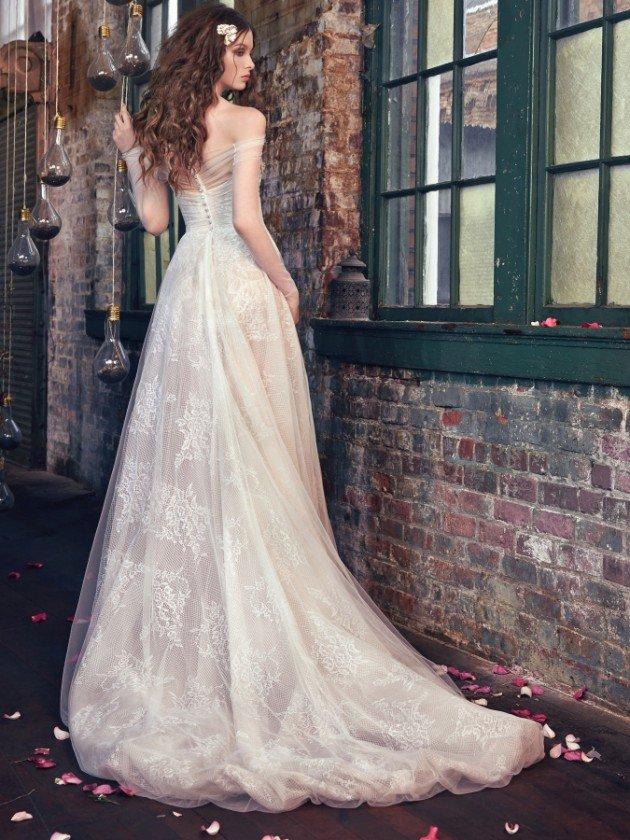сватбени-рокли