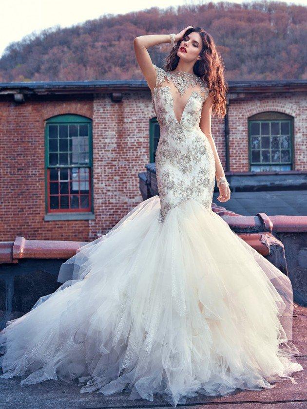 сватбени-рокли-декорации-деколте
