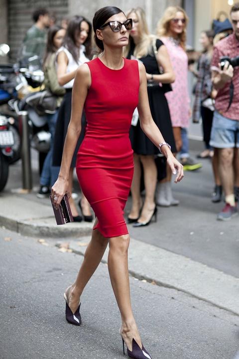 стрийт стайл червена рокля джована баталия