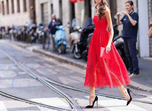 стрийт стайл червена рокля