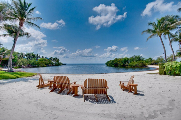 таити-океан-остров-плаж-палми-пясък