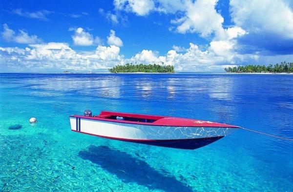 таити-океан-лодка-плаж