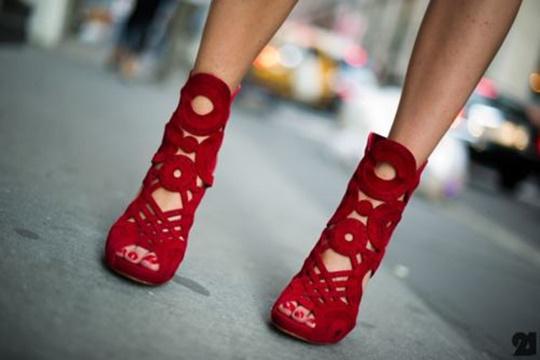 стрийт-стайл-цветни-обувки-червени
