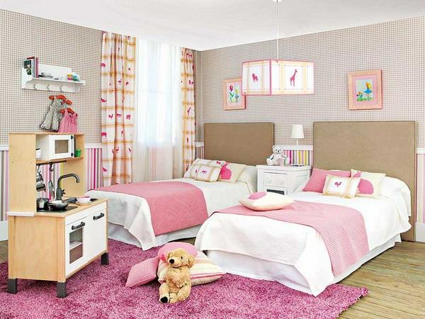 детска стая две момичета интериорен дизайн розово бежово