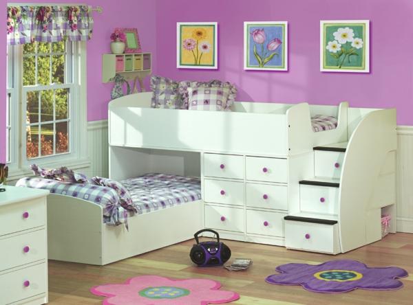 детска стая две момичета интериор лилаво бяло