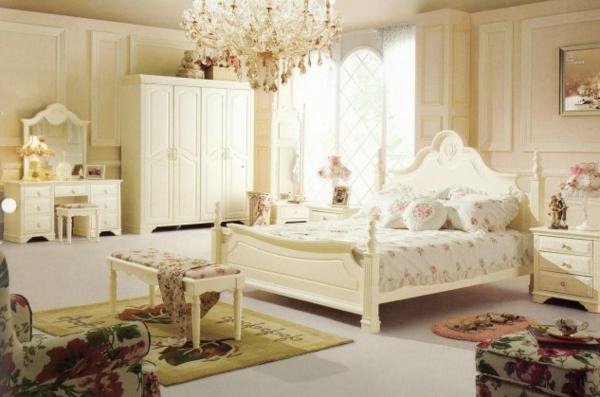 interior spalnq frenski stil obzavejdane bejovo polilei