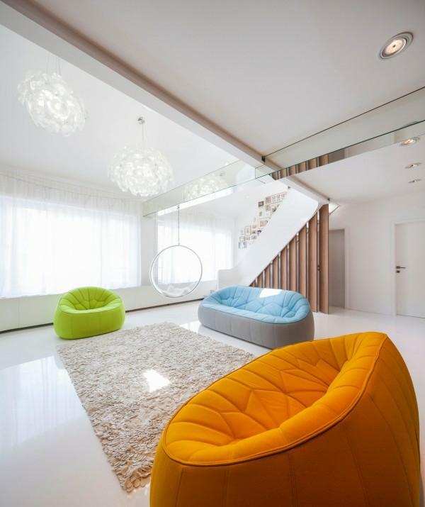 interioren dizain apartament futuristichen stil divani obzavejdane bqlo