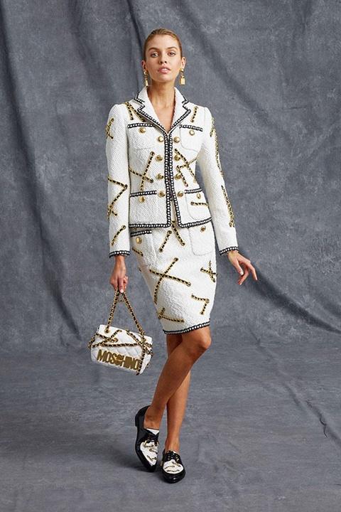 Chanel визия бял костюм