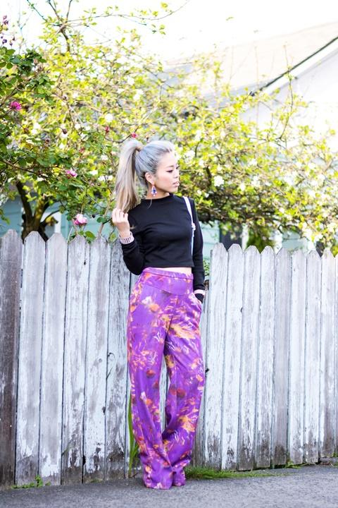 letni pantaloni print lilavo