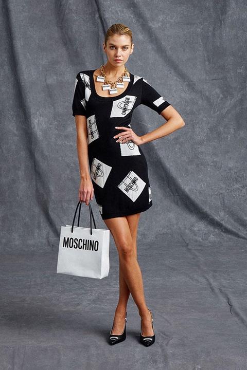 черна рокля с бяло