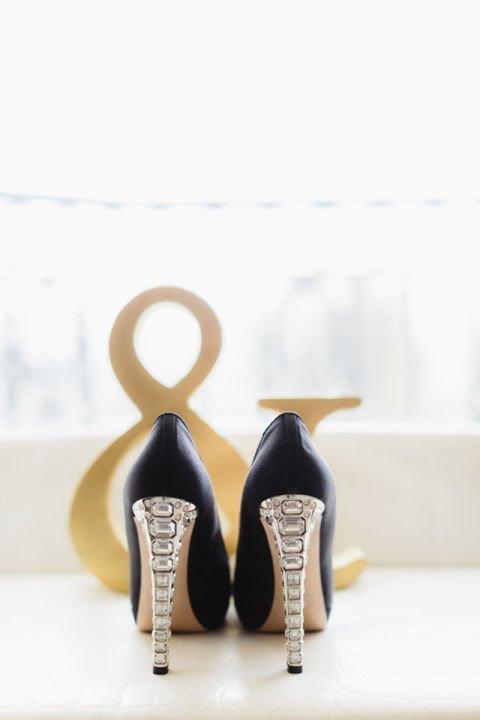 сватбени обувки с ток с камъни