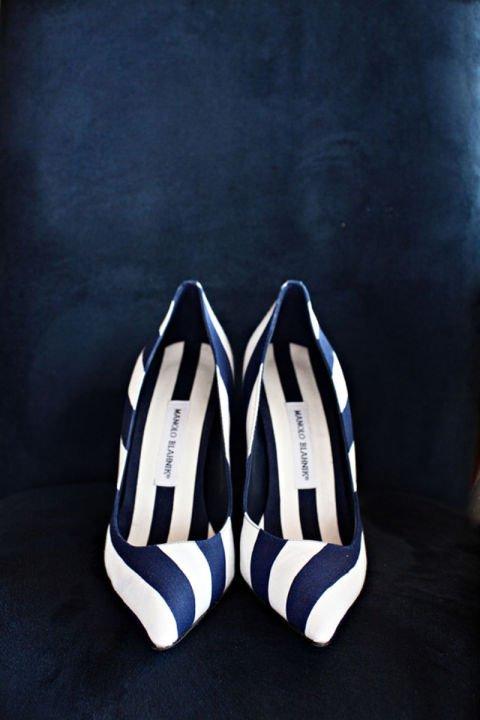 сватбени-обувки синьо бели manolo blanik