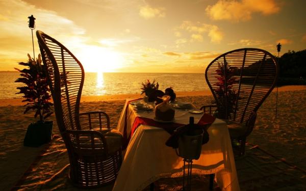 romantichni gradove plaj peizaj zalez