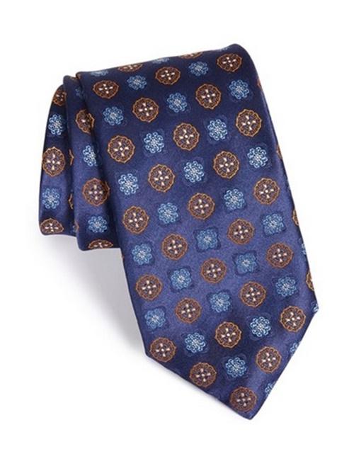 неща които да откраднем от мъжкия гардероб вратовръзка