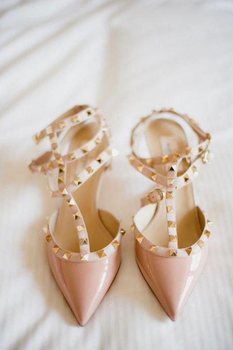 сватбени обувки бледо розови с капси