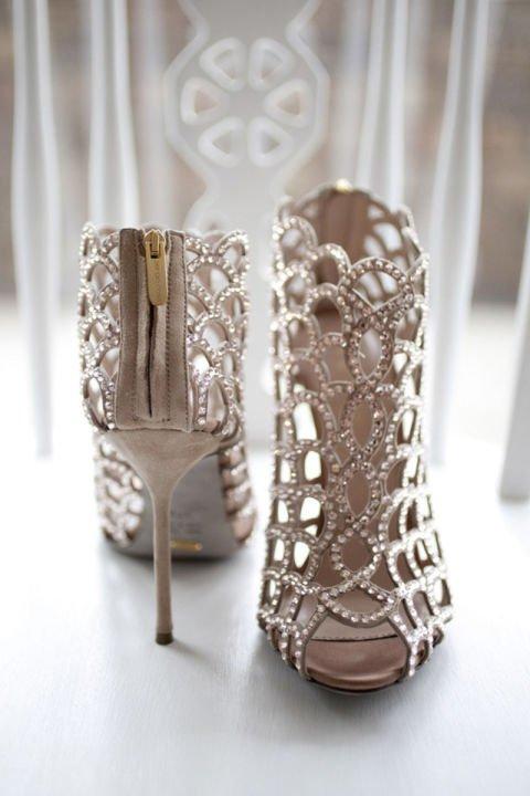 сватбени обувки с камъни