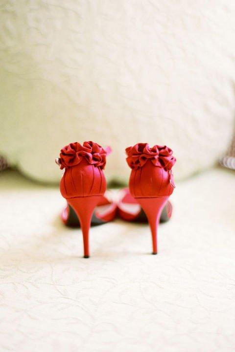 сватбени-обувки-червени