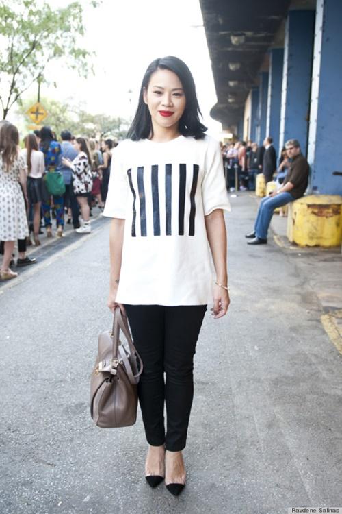 бяла блуза с райе стрийт стайл