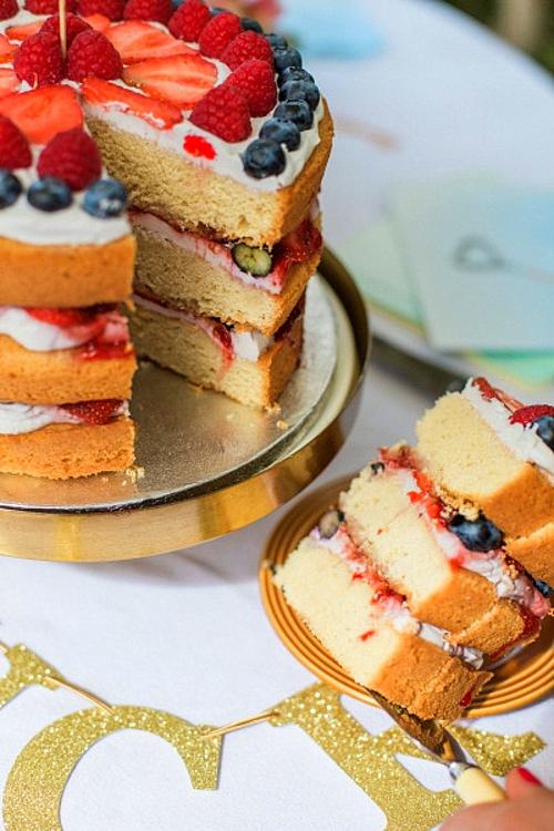 бебешко-парти-плодова-торта