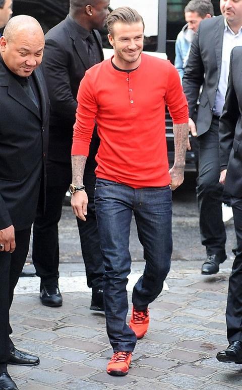 стрийт стайл дейвид бекъм червена блуза