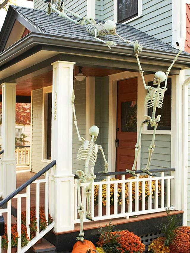 декорация за хелоуин скелети
