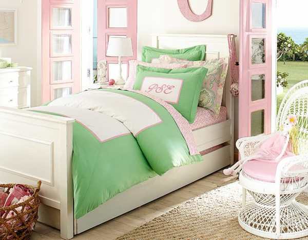 детска стая момичета зелено розово