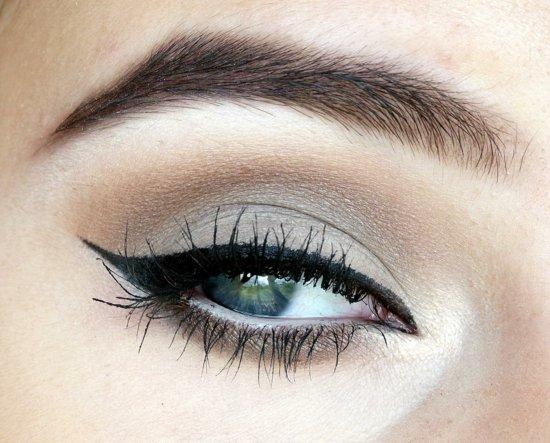 ежедневен грим за очи сиво очна линия