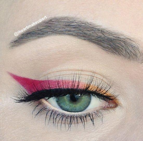 ежедневен-грим-за-очи-цветна-очна-линия
