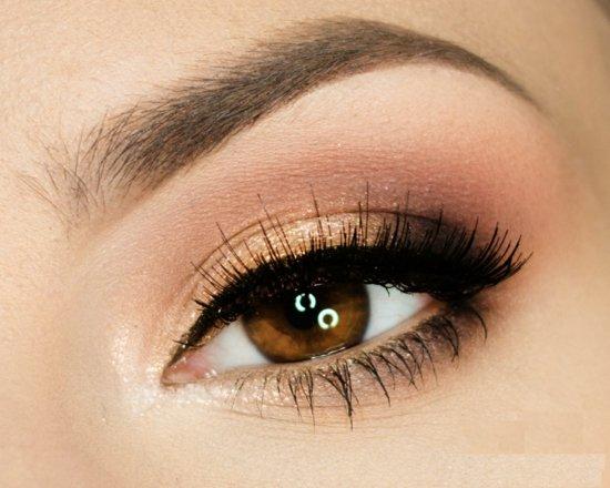 ежедневен грим за очи кафяво очна линия